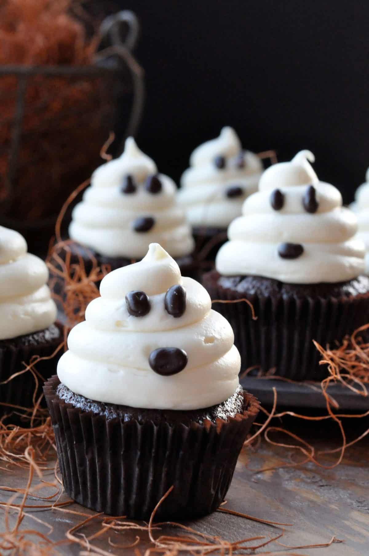 halloween ghosts on carrot cake recipe - Cupcake Decorations For Halloween