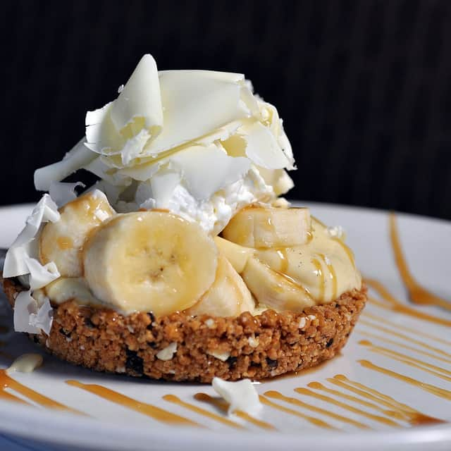 Mini Banana Cream Pie for your Thanksgiving Fruit Pie Recipe