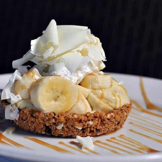 Mini Banana Cream Pie Recipe by Sandra Hoopes