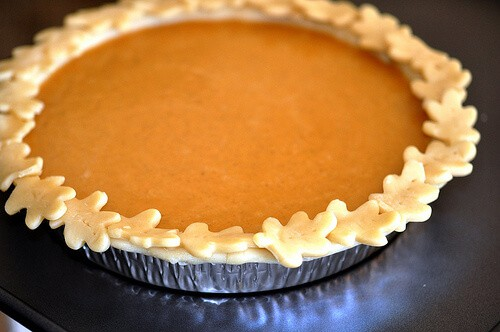 Pie Crust Edge for Pumpkin Pie with Dulce de Leche