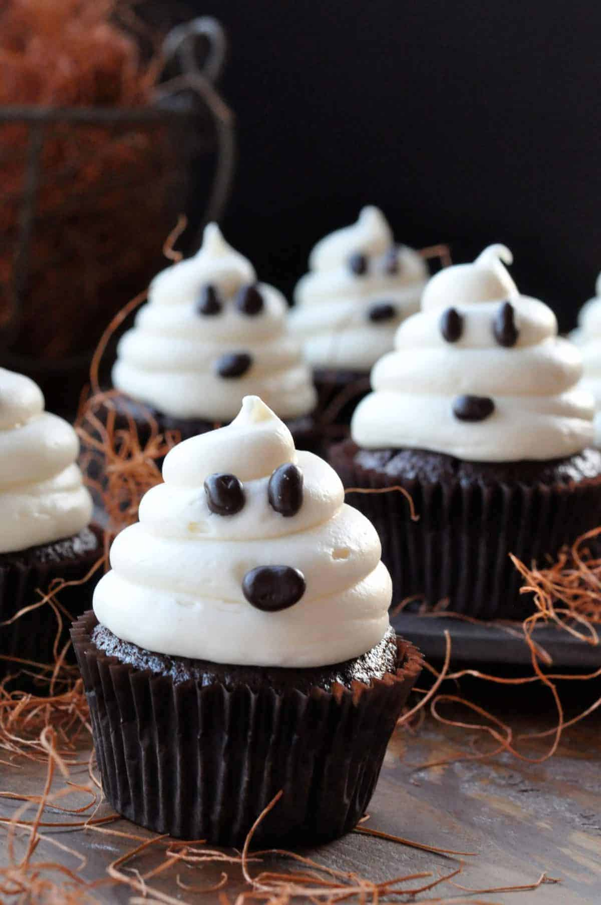 Halloween Ghosts on Carrot Cake Fast and Easy Cupcakes