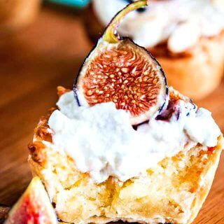 Mini Almond Pie with Fresh Figs Recipe